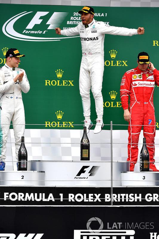 Podio: ganador de la carrera Lewis Hamilton, Mercedes AMG F1, segundo lugar Valtteri Bottas, Mercedes AMG F1 y tercer lugar Kimi Raikkonen, Ferrari