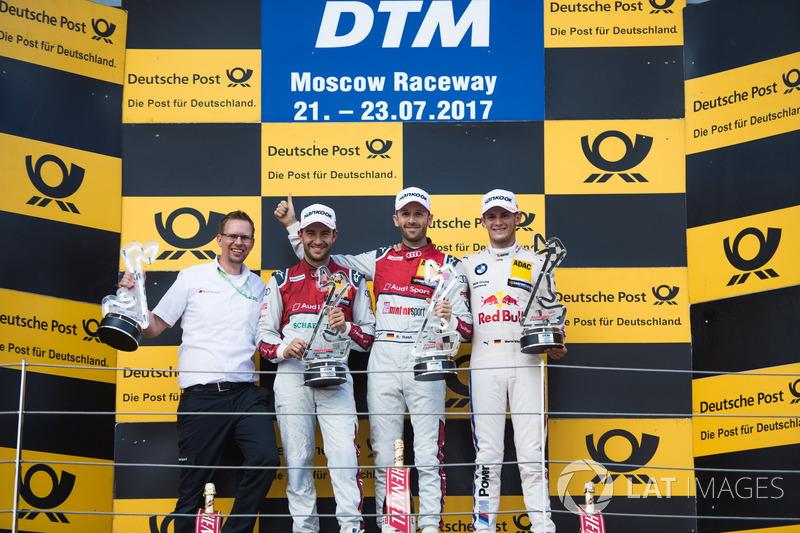 Подіум: переможець Рене Раст, Audi Sport Team Rosberg, Audi RS 5 DTM, друге місце Майк Роккенфеллер, Audi Sport Team Phoenix, Audi RS 5 DTM, третє місце Марко Віттман, BMW Team RMG, BMW M4 DTM