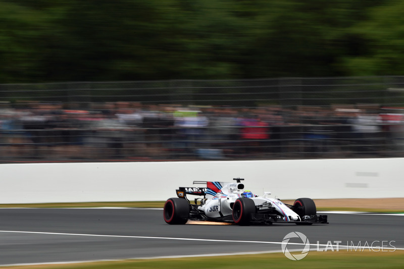 Феліпе Масса, Williams FW40, іскрить