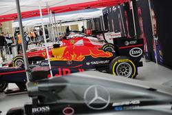 Les F1 avant la démonstration à Trafalgar Square : Mercedes, Red Bull Racing, Ferrari, Force India, Williams, McLaren, Scuderia Toro Rosso and Haas F1 Team