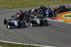 Ralf Aron, Hitech Grand Prix, Dallara F317 - Mercedes-Benz; Tadasuke Makino, Hitech Grand Prix, Dallara F317 - Mercedes-Benz