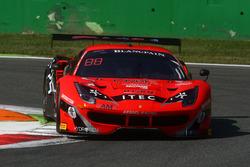 #888 Kessel Racing, Ferrari 488 GT3: Jacques Duyvier, Marco Zanuttini, David Perell
