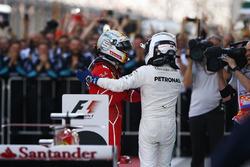 Segundo, Sebastian Vettel, Ferrari, ganador, Valtteri Bottas, Mercedes AMG F1