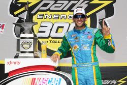 Winner Aric Almirola, Biagi-DenBeste Racing Ford