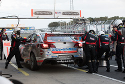 Tim Slade, Brad Jones Racing Holden in the pits