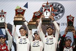Тимо Бернхард, Марк Уэббер, Брендон Хартли, Porsche Team