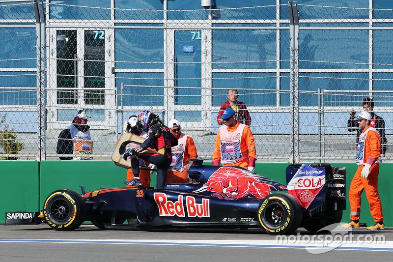 Max Verstappen, Scuderia Toro Rosso STR11 na opgave