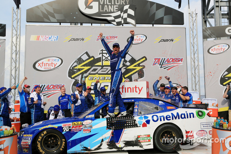 Sieger Elliott Sadler, JR Motorsports Chevrolet