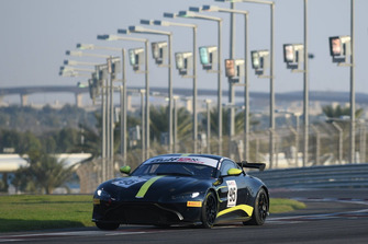 #95 Aston Martin Racing Aston Martin Vantage GT4: Thomas Canning, Mark Farmer, Oliver Wilkinson, Adrian Willmott