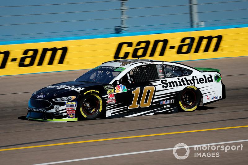 18. Aric Almirola, Stewart-Haas Racing, Ford Fusion Smithfield