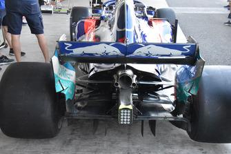 Arrière de la Scuderia Toro Rosso STR13