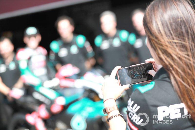 Foto de equipo de Yamaha Petronas