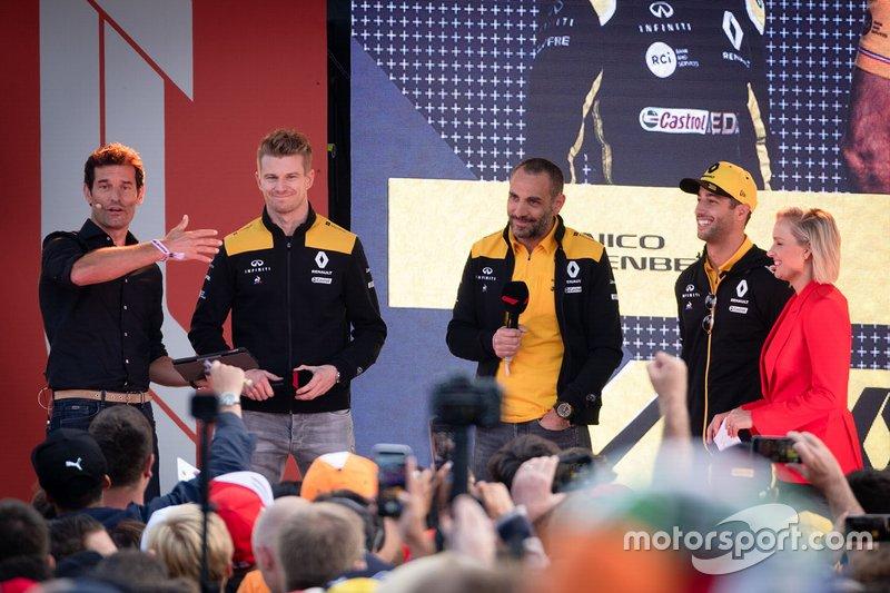 Nico Hulkenberg, Renault F1 Team, Daniel Ricciardo, Renault F1 Team, Cyril Abiteboul, Renault F1 Managing Director