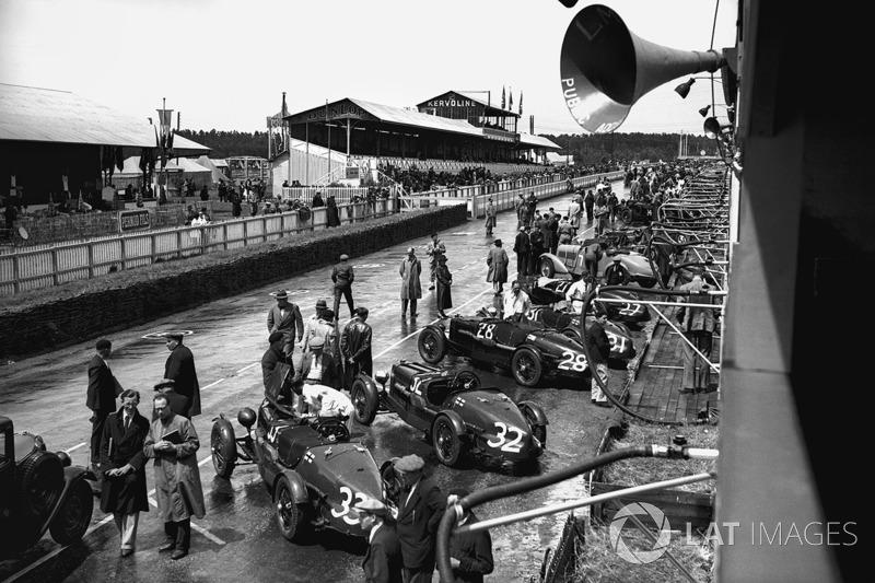 1935 год. Автомобили Aston Martin