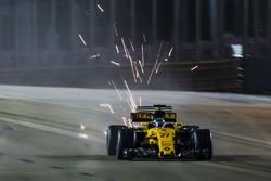 Funkenflug: Nico Hulkenberg, Renault Sport F1 Team RS17