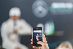 Take a photo of Lewis Hamilton, Mercedes AMG F1