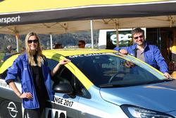 Miss Yokohama, Romana Möckli, und Fabio Gubitosi, Opel Corsa OPC, Opel Team Suisse