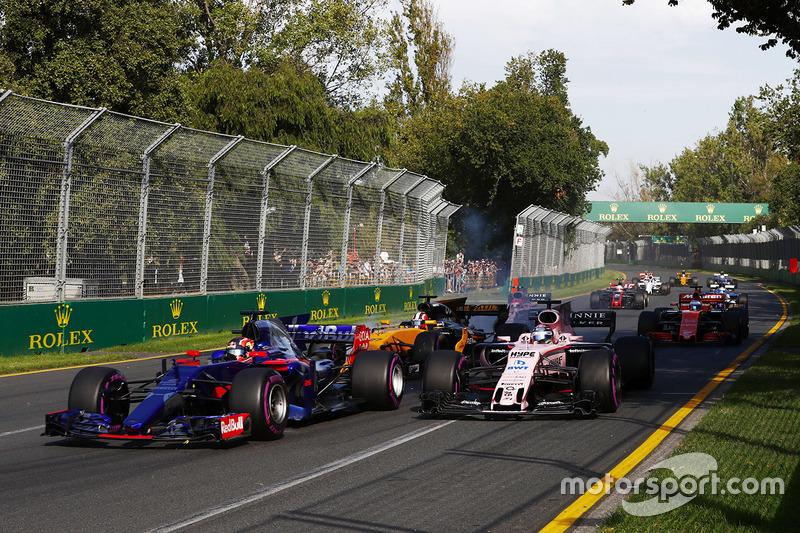 Daniil Kvyat, Scuderia Toro Rosso, STR12; Sergio Perez, Force India, VJM10; Nico Hülkenberg, Renault