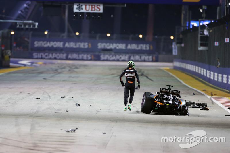 Nico Hulkenberg, Sahara Force India F1 VJM09 se estrelló y queda fuera en el inicio de la carrera