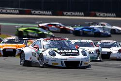 Start zum Rennen, #17 KÜS TEAM 75 Bernhard, Porsche 911 GT3 R: David Jahn, Kévin Estre führt