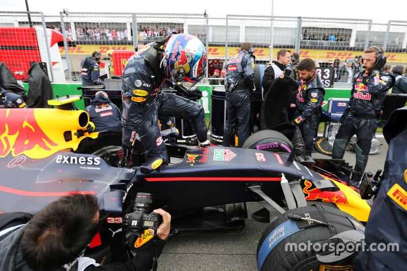 Макс Ферстаппен, Red Bull Racing RB12 на стартовій решітці