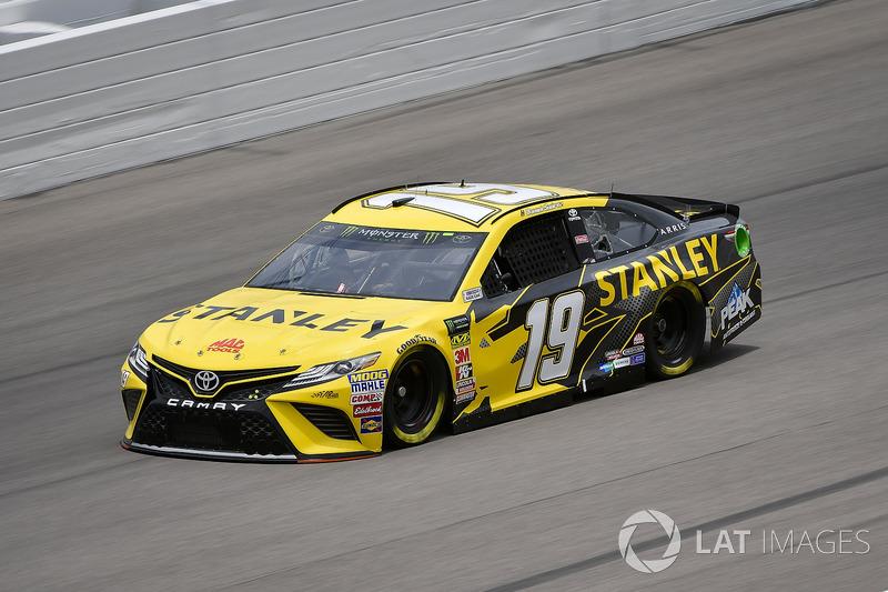 14. Daniel Suarez, Joe Gibbs Racing, Toyota Camry STANLEY