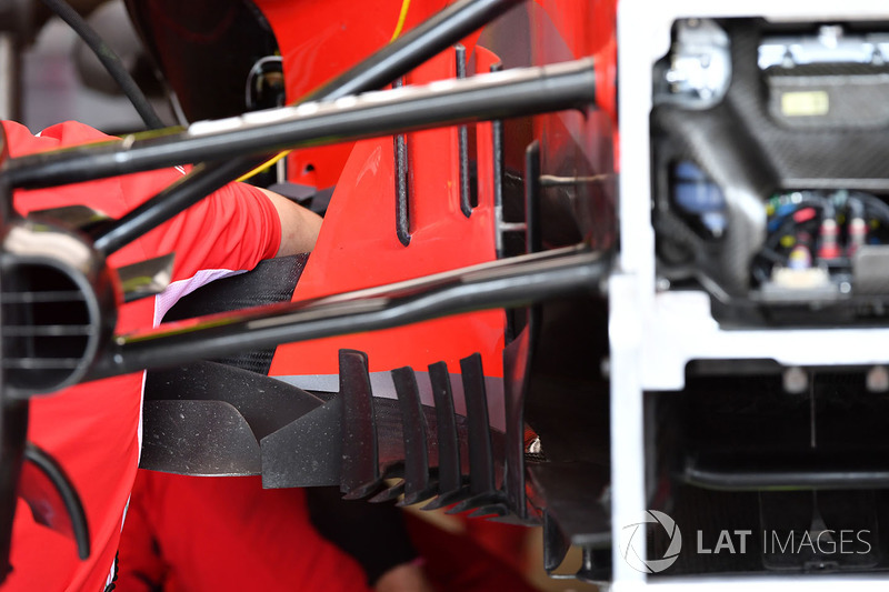 Ferrari SF71H front suspension and barge board