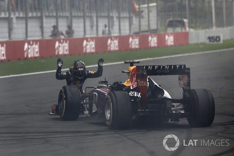 В сезоне-2013 Райкконен еще семь раз поднялся на подиум, в то время как Феттель доминировал всю вторую половину сезона, выиграл девять Гран При подряд и четвертый титул.