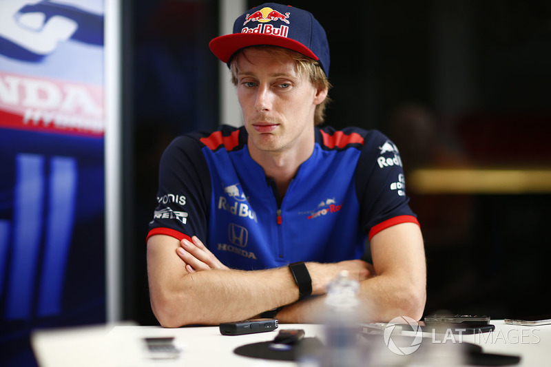 Brendon Hartley, Toro Rosso, talks to the press