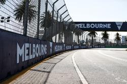 Detalles del circuito durante la caminata de pista del equipo