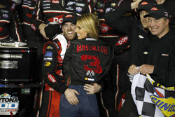 Race winner Austin Dillon, Richard Childress Racing Chevrolet Camaro with his wife