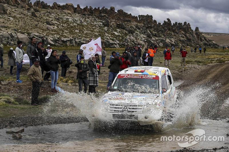 #354 Mitsubishi Montero: Крістіна Гутьєррес, Габрієль Моісет Феррер