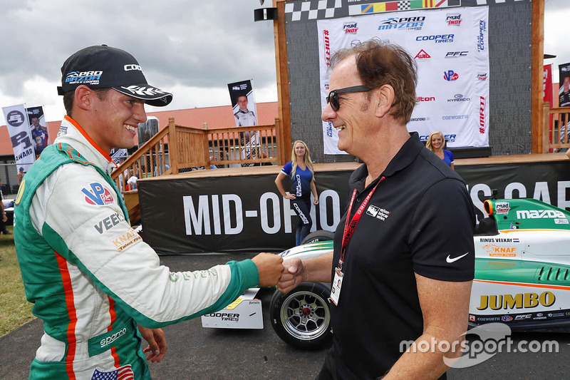 VeeKay and Luyendyk after the youngster's Juncos Racing entry dominated the Pro Mazda [now Indy Pro 2000] rounds at Mid-Ohio in 2018.