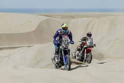 #44 Yamaha Official Rally Team: Rodney Faggotter, #27 Honda: Diego Duplessis