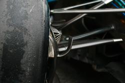 Mercedes AMG F1 W09 detail front suspension