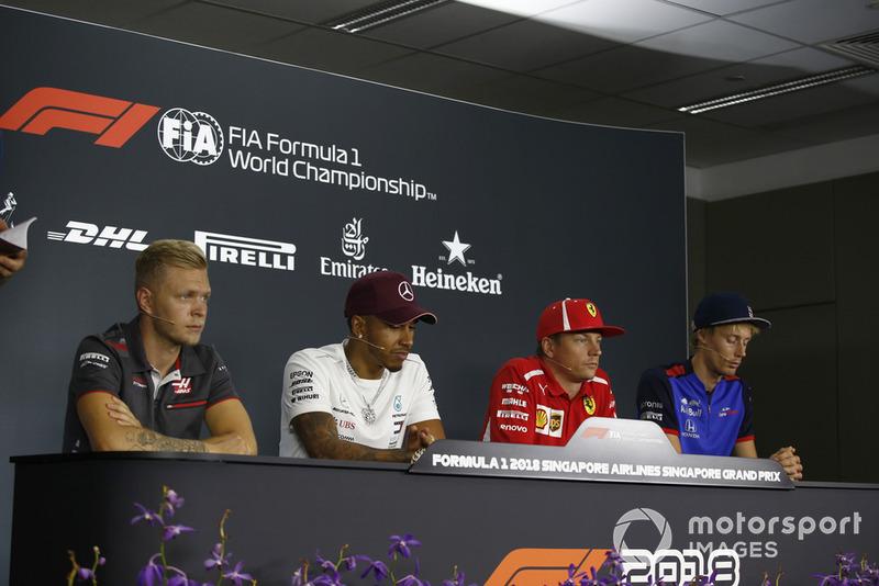 Kevin Magnussen, Haas F1 Team, Lewis Hamilton, Mercedes AMG F1, Kimi Raikkonen, Ferrari e Brendon Hartley, Scuderia Toro Rosso, nella conferenza stampa