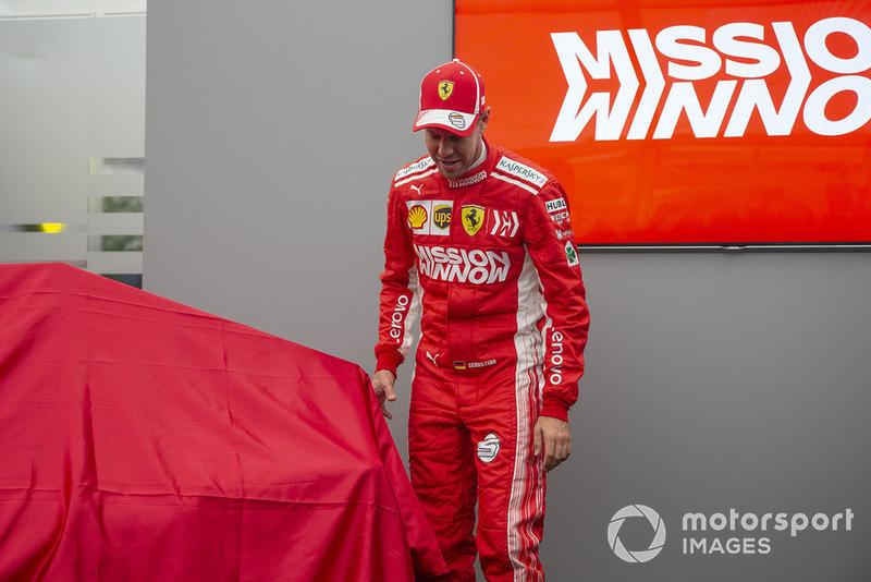 Себастьян Феттель, Ferrari, презентує нову ліврею