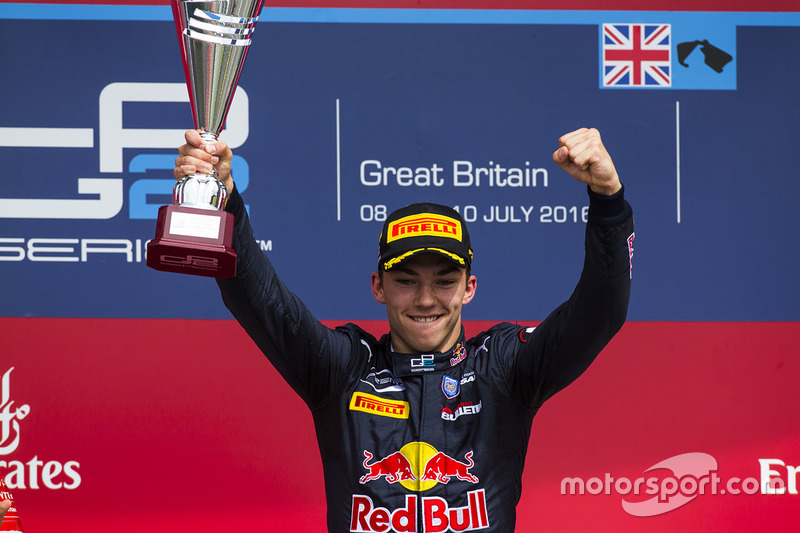 GP2 – дебютна перемога Гаслі