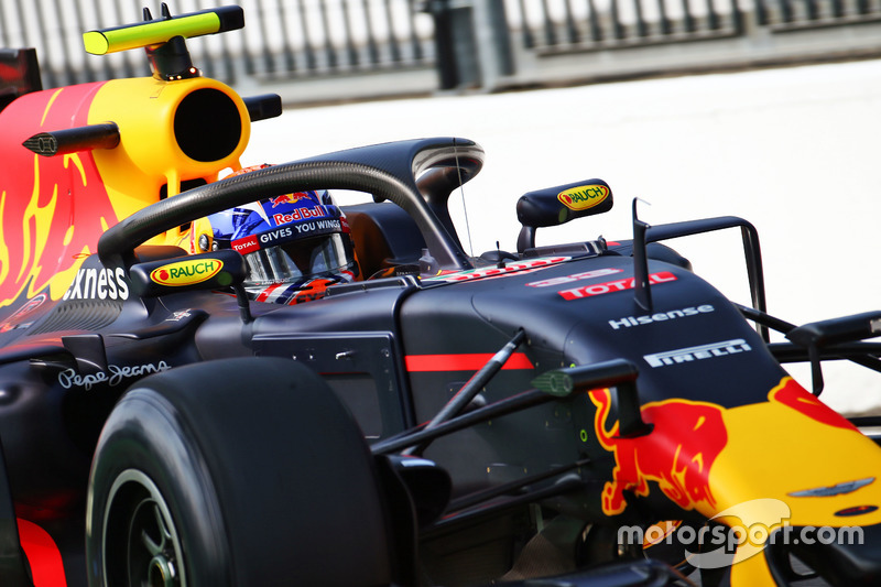 Max Verstappen, Red Bull Racing RB12 con il dispositivo Halo