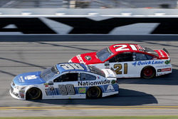 Dale Earnhardt Jr., Hendrick Motorsports Chevrolet Ryan Blaney, Wood Brothers Racing Ford