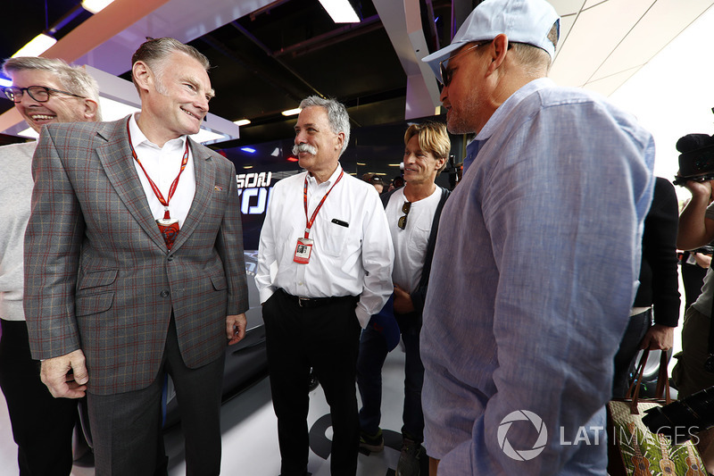 Sean Bratches, Director of Comercial Formula One Group, Chase Carey, presidente Formula One, Woody H