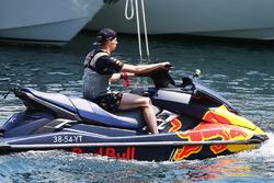 Max Verstappen, Red Bull Racing, auf einem Jetski