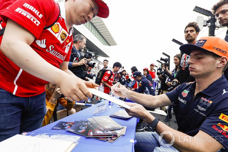Max Verstappen, Red Bull Racing, signs an autograph