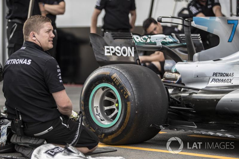 Boxenstopp-Training: Mercedes AMG F1