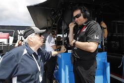 Robin Miller, NBC; Bryan Herta, Andretti Autosport