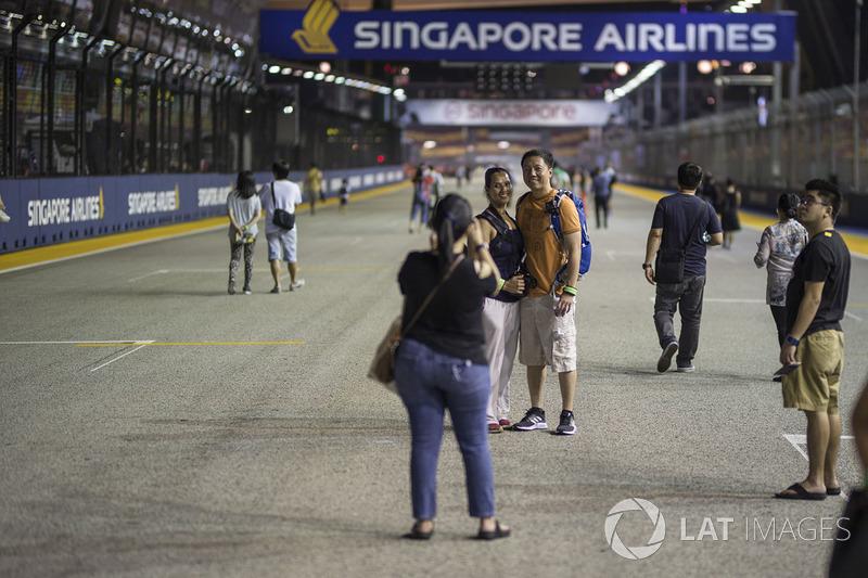 Fans auf der Strecke
