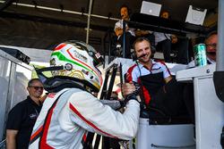 Polesitters Gianmaria Bruni, Laurens Vanthoor, Porsche Team