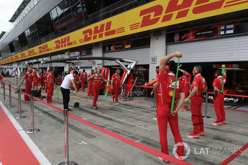 Ferrari mechanics warm up exercises