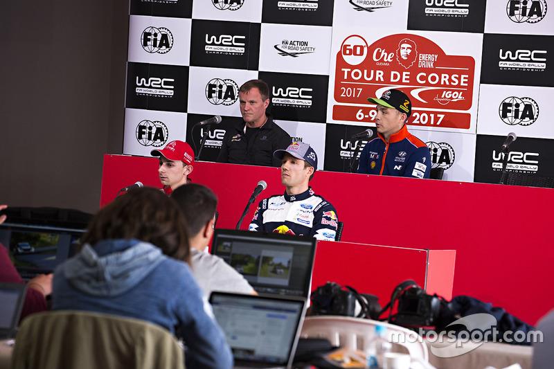 Hayden Paddon, Hyundai Motorsport; Stéphane Lefebvre, Citroën World Rally Team; Sébastien Ogier, M-S