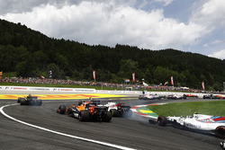 Felipe Massa, Williams FW40, Stoffel Vandoorne, McLaren MCL32, Lance Stroll, Williams FW40